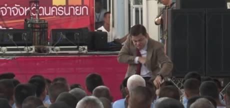 Gevangenen liggen dubbel om Thaise Mr. Bean
