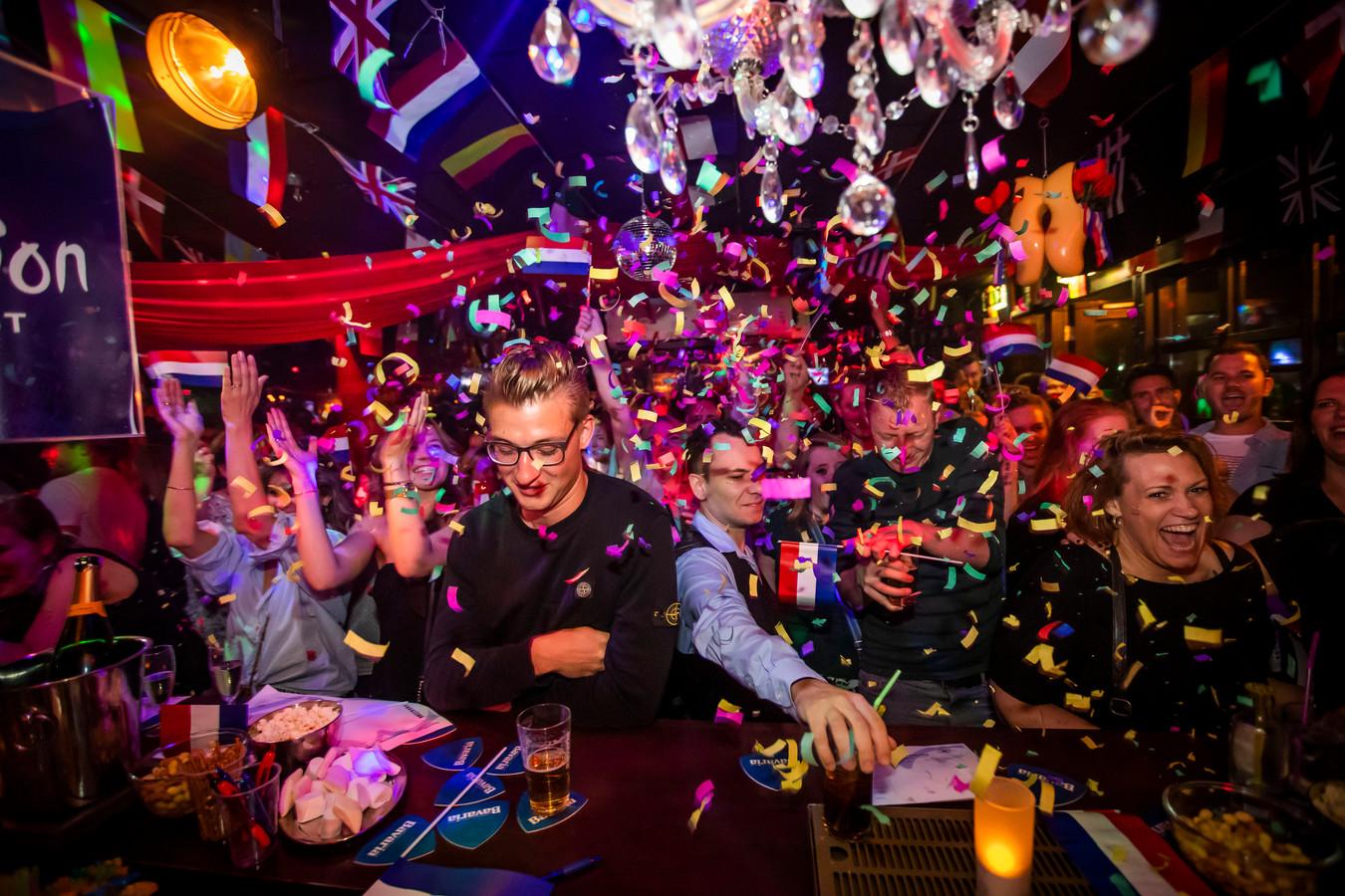 Songfestival feest in Gaybar De Regenboog Eindhoven