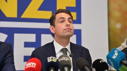 """Van Grieken wil """"niet aan de zijlijn blijven staan"""""""