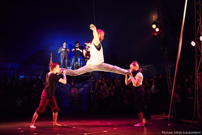 Circus I Love You tijdens Wintervuur Festival 2017