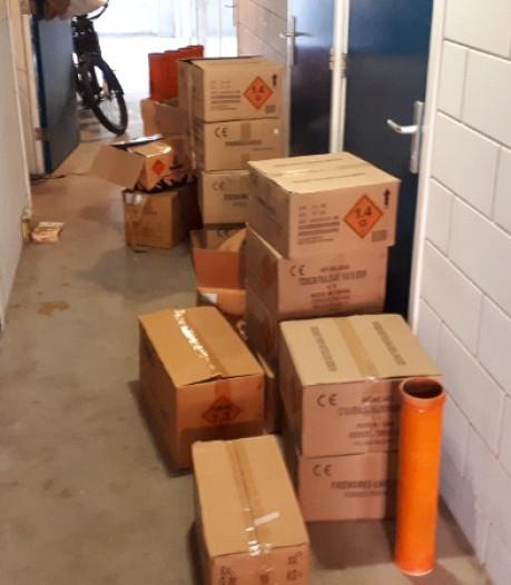 Politie vindt 275 kilo vuurwerk in garagebox in Hoofddorp