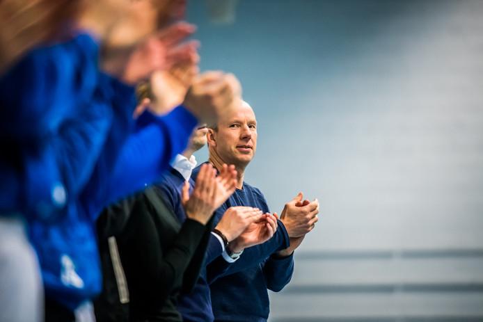 Korfbal-coach Ron Steenbergen van Oost Arnhem op archiefbeeld.