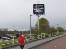 Verspringende LED-beelden op reclamezuil bij Vianen maken bewoners boos