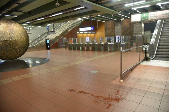 Metrostation Kruidtuin moest zaterdagavond ontruimd worden.