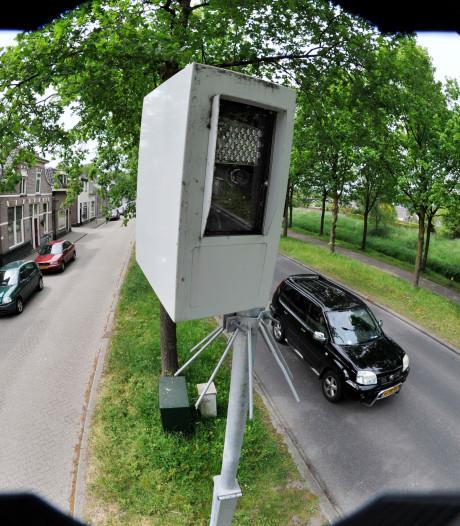 Honderden onterechte verkeersboetes in Almelo? OM geeft geflitste vrouw gelijk