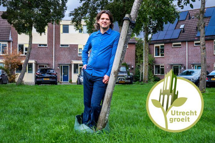 Onderzoeker Josse de Voogd op de Dasseweide, een typische straat in Nieuwegein.