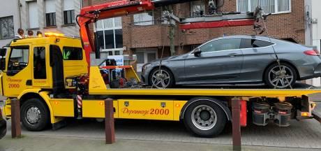 Controle op misbruik parkeerplaatsen voor mindervaliden: drie auto's weggesleept