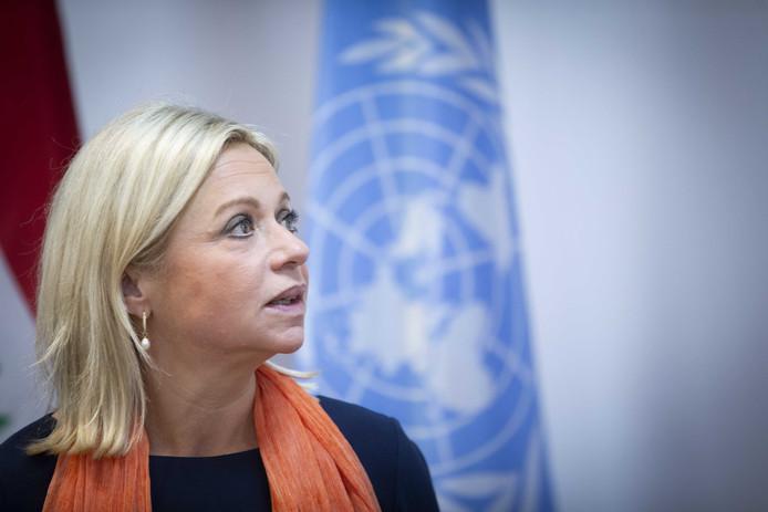 Jeanine Hennis pleit ervoor dat de internationale gemeenschap IS-terroristen moet vervolgen en berechten en hun vrouwen en kinderen moet terughalen.
