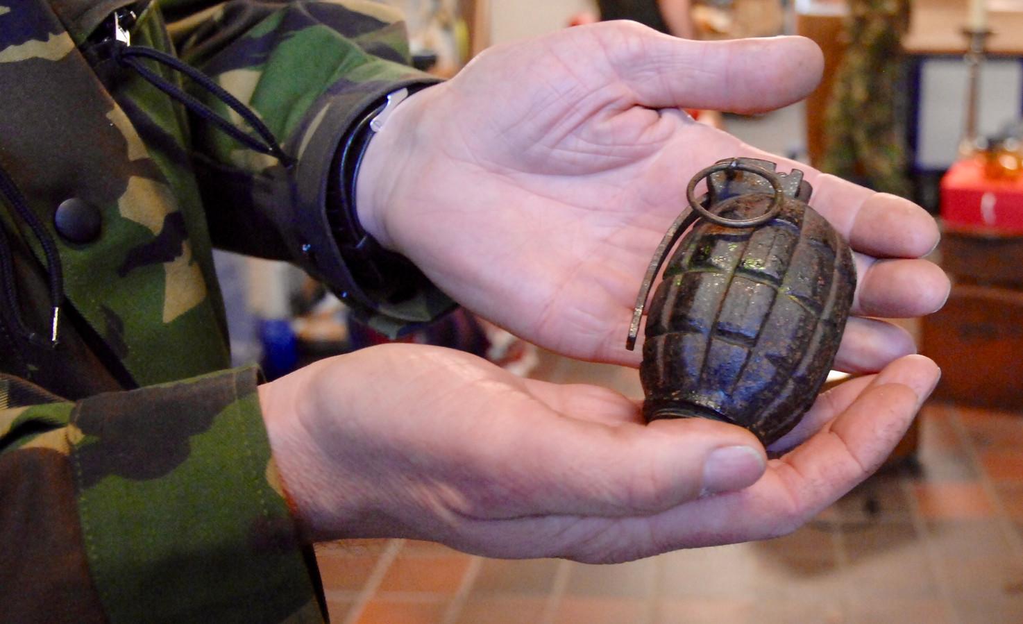 Een bij een shishalounge gevonden handgranaat.