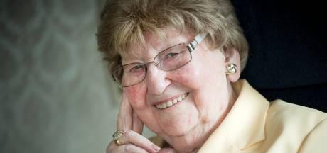 Een leven lang verbonden met de piloten en de oorlog: Mia Lelivelt (1925 – 2020)