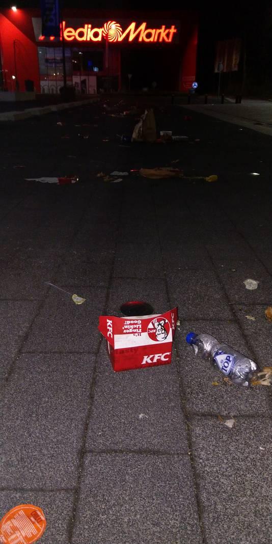 Afval de KFC, rond 7 uur woensdagmorgen