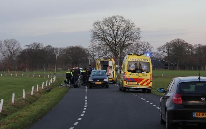 Een fietser in dinsdagmiddag ernstig gewond geraakt na een aanrijding in Enter
