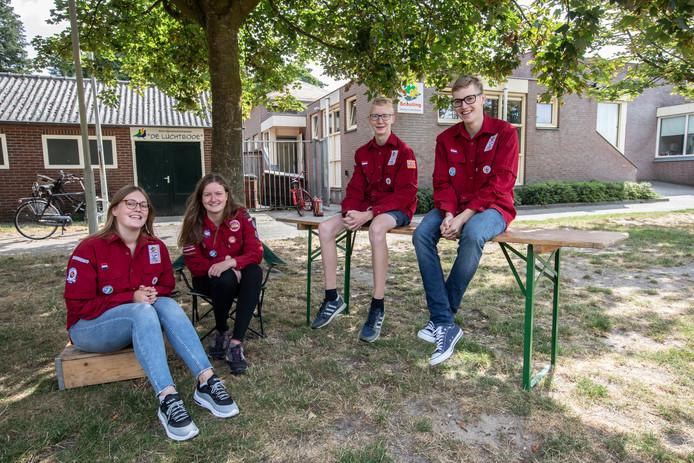 Leden van scouting Deurne die naar de Jamboree in America gaan. Vlnr: Marly Claassen, Renate de Wit, Niels Weijenberg en Daan Claassen.