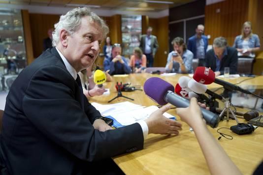 Burgemeester Eberhard van der Laan op 3 juli tijdens een persconferentie na de uitspraak van de bestuursrechter over de sinterklaasintocht. Hij beraadt zich op de mogelijkheid om tegen deze uitspraak in beroep te gaan bij de Raad van State.