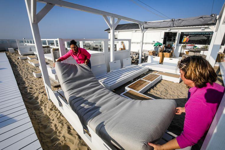 Middelkerke: beachbar Papagay Nancy Reynaert