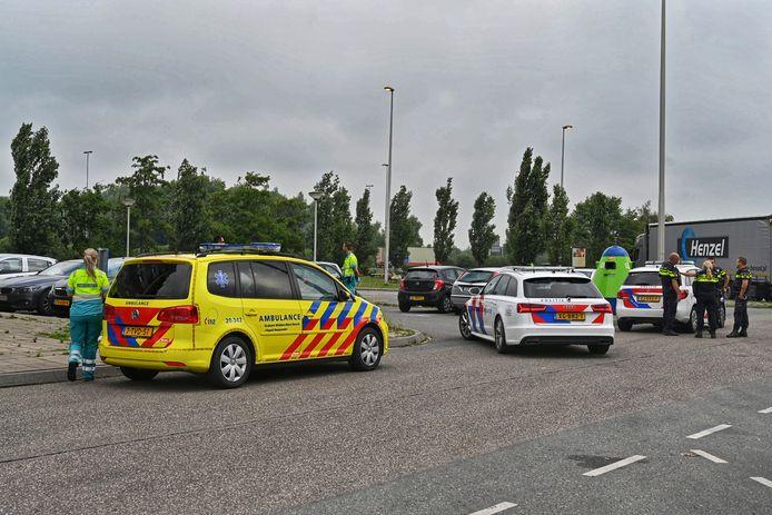 Ruzie tussen vier mensen op Hazeldonk bij Breda, mogelijk had iemand een mes bij.