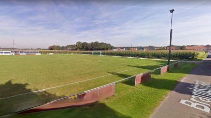 Landbouwgrond in Brandstraat wordt heraangelegd tot parking en voetbalterrein