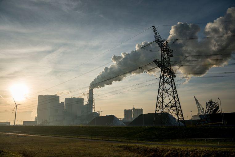 De energiecentrale kolencentrale van RWE in de Eemshaven. Beeld Kees van de Veen