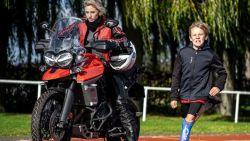 """SX-frontvrouw stunt: """"Op motor naar laars van Italië en terug voor sportprothesen voor kinderen"""""""