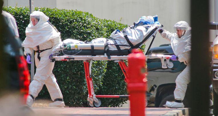 Amerikaanse bolapatiënte Nancy Writebol komt aan in het Emory ziekenhuis in Atlanta Beeld REUTERS