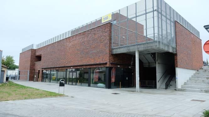 """Eerste school schakelt over op code oranje, leerlingen besmet in Hasselt en Kortrijk: """"Dit was onvermijdelijk"""""""