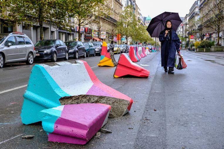 """Vlaams Belang vindt dat ook de inrichting van de voetgangerszone in Brussel moet worden herbekeken. """"De zone creëert een eerder doodse buurt waar onguur volk graag samenhokt. En door gebrek aan verlichting, te veel criminaliteit en afval verloedert de buurt in sneltempo"""", klinkt het."""