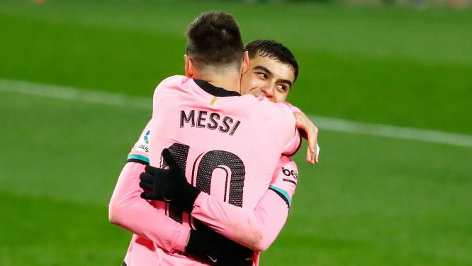 """18-jarig toptalent ontpopt zich tot nieuwe 'golden boy' van Barcelona: """"Hij heeft een speciale klik met Leo"""""""
