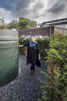 Ria uit Mander krijgt definitief geen riool: 'Ik ga nooit meer buitenaf wonen'
