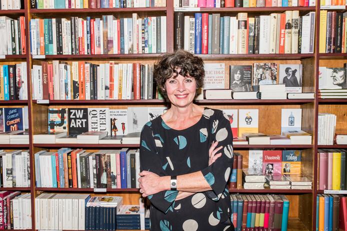 Ine Soepnel weet dat de gouden jaren van de boekhandel voorbij zijn, maar de eigenaar van Van Someren & Ten Bosch heeft toch besloten weer op eigen benen te gaan staan.