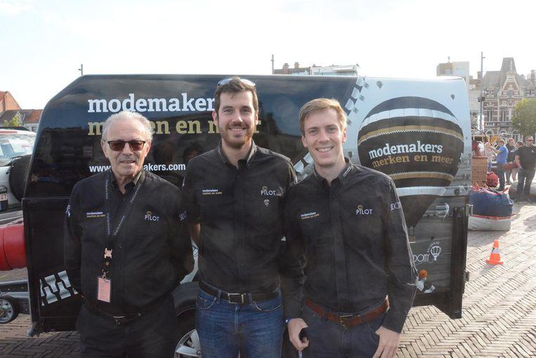Gaston De Rudder (73) ziet zijn opvolging verzekerd met de broers Evert en Steven Dehandschutter, die beiden hun debuut maakten als piloot op de Vredesfeesten.