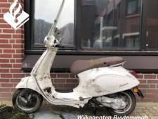 Gestolen scooter gevonden in water Voorweg