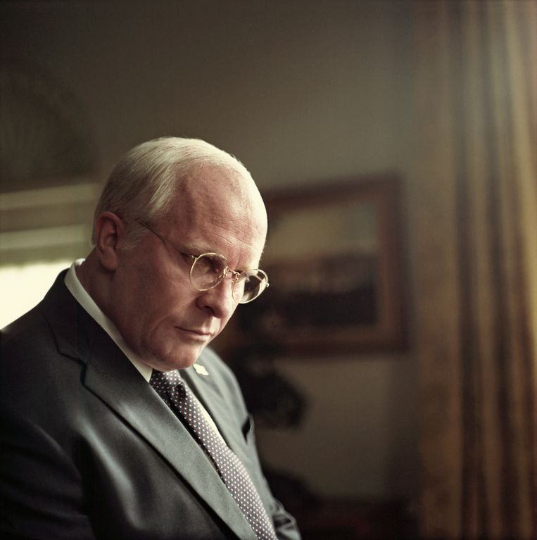 Christian Bale als Dick Cheney. Beeld