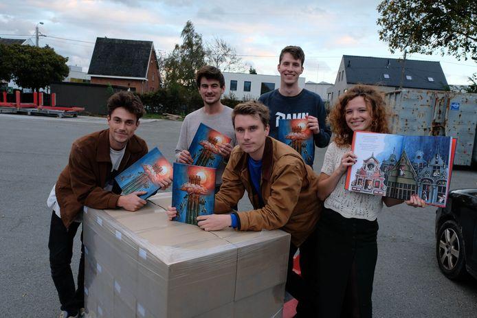 De vijf makers vielen naar eigen zeggen achterover bij het openen van hun eerste 'De Maneblussers'