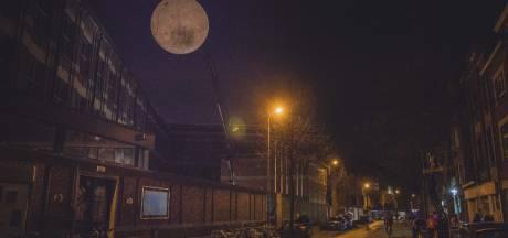 De maan is terug, maar het is niet de echte