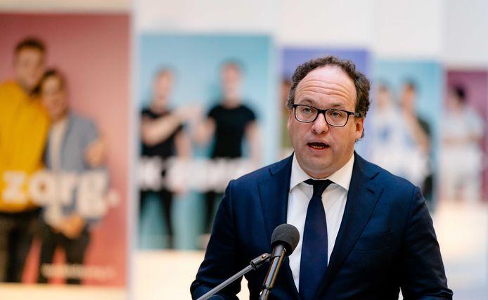 Minister Wouter Koolmees presenteert vanmiddag een nieuw noodpakket voor bedrijven.