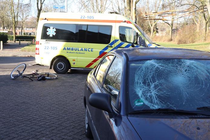 Fietsster aangereden op Vlokhovenseweg in Eindhoven