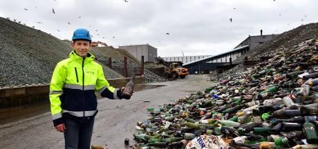 Maltha Glasrecycling maakt zich op voor piek na feestdagen: 'Nu nog weinig champagneflessen gezien'