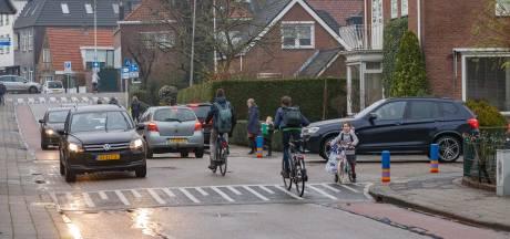 Veiliger over straat in Zwartewaterland na aanpassing van kruisingen en wegen