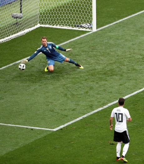 Eerste WK-goal en eerste PSV-goal van Lozano vertonen extreme gelijkenis