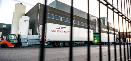 Boeren en afnemers van varkensvlees vrezen problemen nu Van Rooi langer dicht gaat