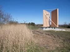 Omstreden toren op de belt van Wekerom gaat vandaag open voor publiek