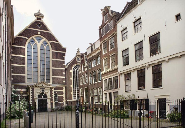 Bij de Waalse Kerk kun je tijdens Open Monumentendag terecht voor een potje Franse bingo. Beeld Gemeente Amsterdam.