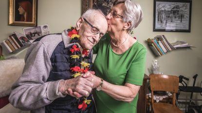 """Het geheim van Gustavus (106), de nieuwe oudste man van het land: """"Geen alcohol, nooit gerookt. En oh ja, ik heb vijf vriendinnen"""""""