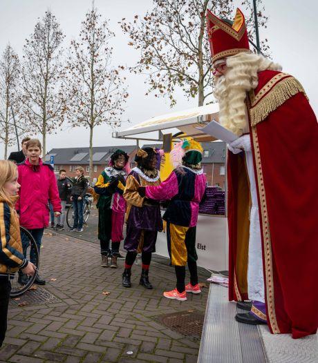 Woede bij Sinterklaasclubs over drive through in Elst. 'Wij mochten niks, zij wel'