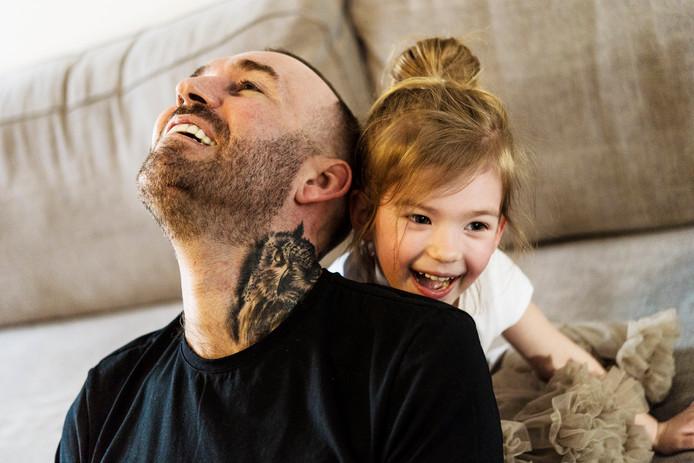 Fernando Ricksen en dochter Isabella.