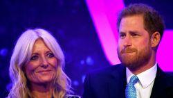 Prins Harry in tranen tijdens speech over vaderschap