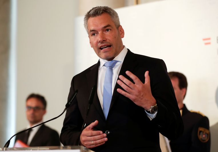 De Oostenrijkse minister van Binnenlandse Zaken Karl Nehammer  Beeld REUTERS