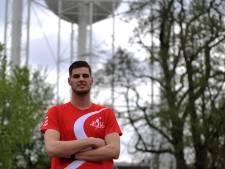 Levy Kort ligt op een sleutelpositie bij kampioen PSV