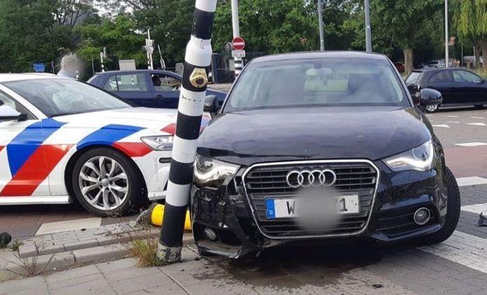 De bestuurder reed in een gestolen auto.