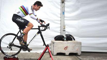 """Van der Poel is ritueel Van Aert beu, UCI-commissaris: """"Wout heeft na aankomst tien minuten om op het podium te komen"""""""